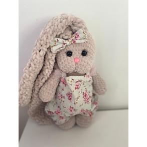 Amigurumi Sevimli El Örmesi Tavşan